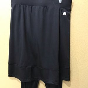 Dresses & Skirts - Snoga skirt with leggings attached